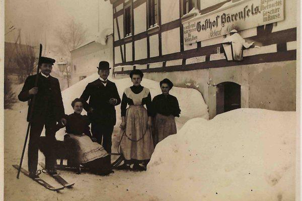 1902 Müllers vorm Gasthof