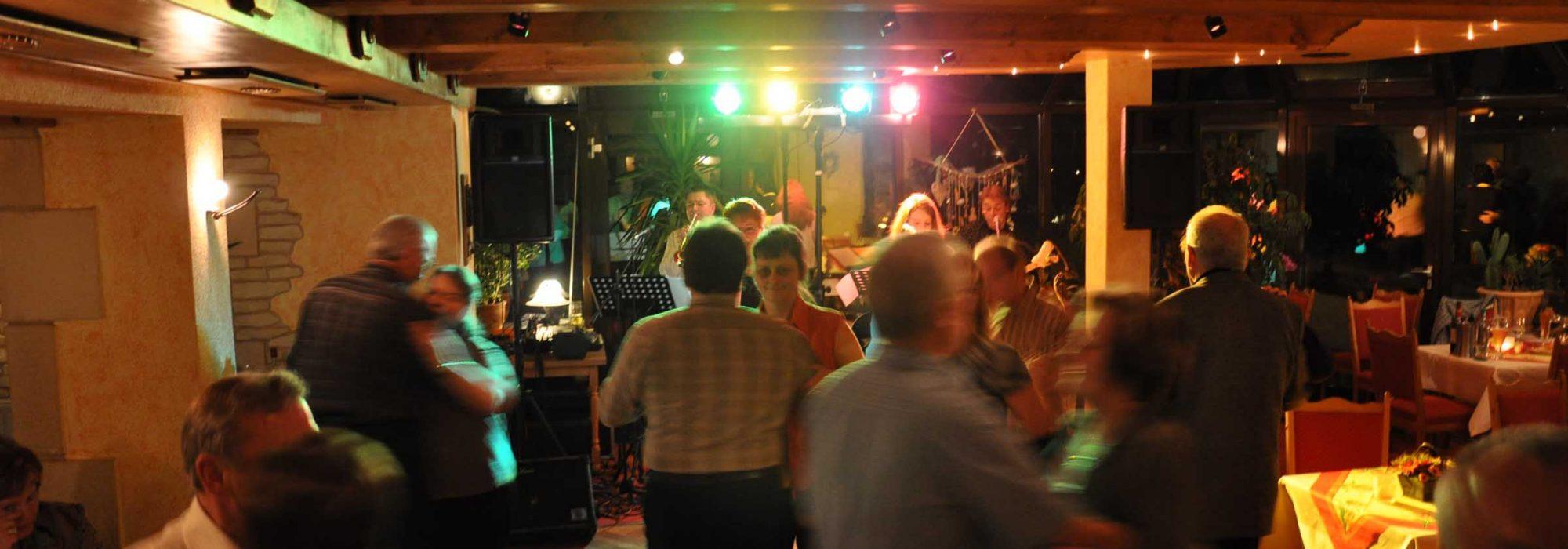 Tanz im Gasthof